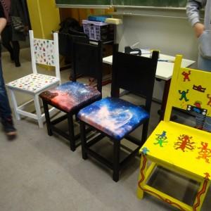 umgestaltete Stühle von Johanna und Emilija
